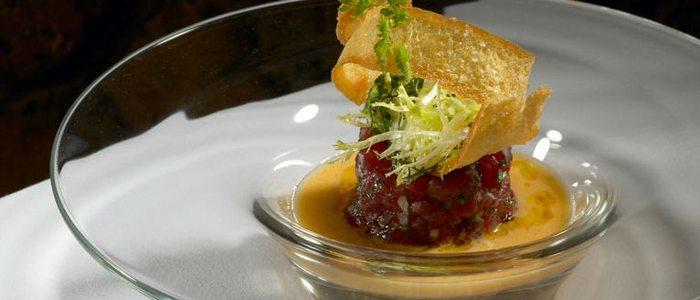 Sopa fría de tomates verdes con tartar de atún rojo, Can Bosch