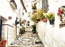 Calle típica de los pueblos de la Axarquía