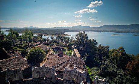 Granadilla, pueblo abandonado en Cáceres | Guía Repsol