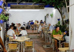Patio interior del local. Sagasta 9, Mérida. Foto: Hugo Palotto