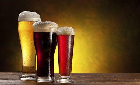Al igual que las fabricadas de manera industrial, las cervezas artesanales pueden ser de diferentes variedades