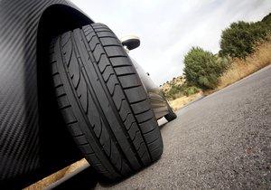 No olvides revisar la correcta presión de los neumáticos