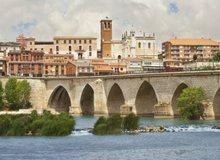 Tordesillas sobre el río Duero