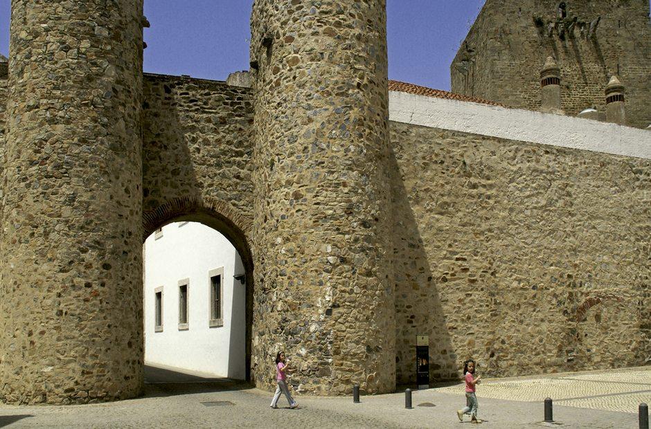 Informacion turistica de olivenza badajoz guia repsol for Oficina de turismo de olivenza