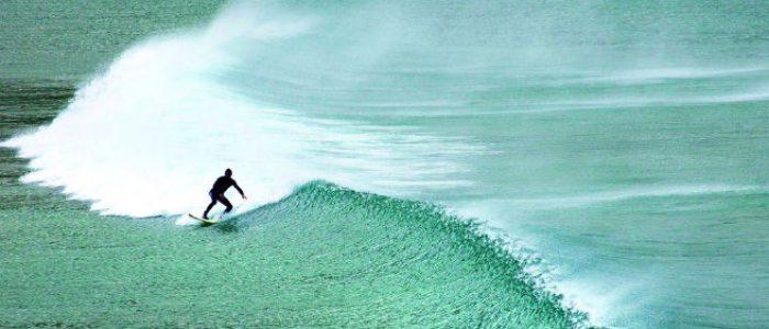 Las playas cántabras son idóneas para practicar surf