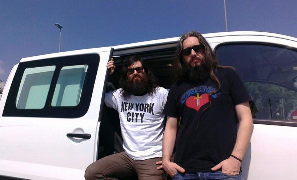 Corizonas y su furgoneta. Foto: Corizonas