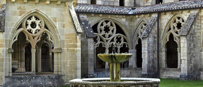 Claustro del monasterio de Santa María de Iranzu, en el valle de Yerri