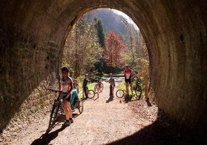 Cinco rutas otoñales por el norte en bicicleta | Guía Repsol