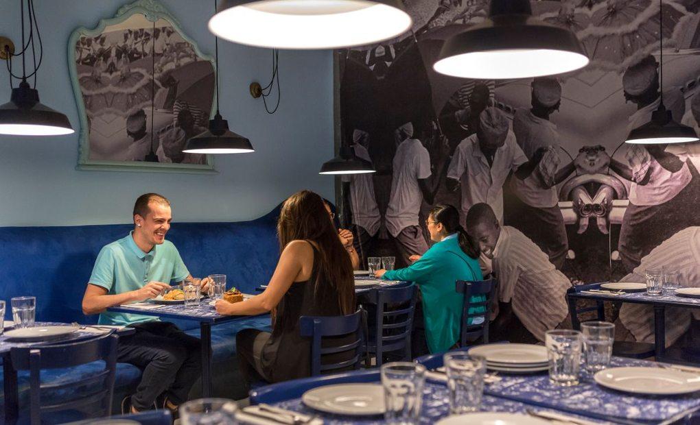 Ambiente en el interior del restaurante Gumbo, en Madrid. Foto: David de Luis