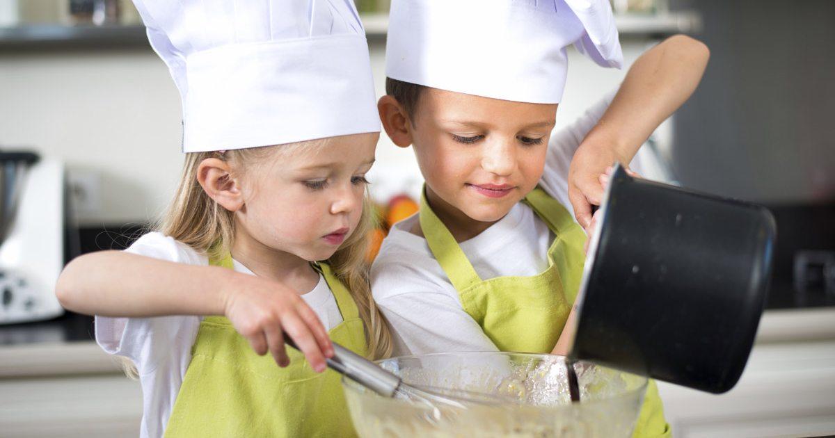 Recetas sencillas para cocinar con ni os gu a repsol for Cocinar con 5 ingredientes