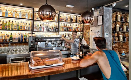 ¿Dónde tomar un café en Chueca? (Madrid)   Guía Repsol