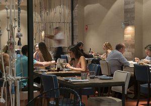 Restaurante Totora, Barcelona: Ambiente en el interior del restaurante. Foto: Olivia Segarra