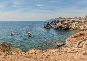 Cabo de Palos: en busca de playas desiertas y barcos hundido