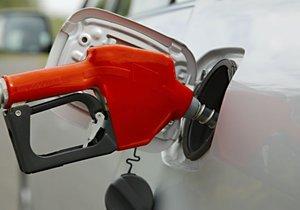 Te mostramos cómo repostar combustible con seguridad