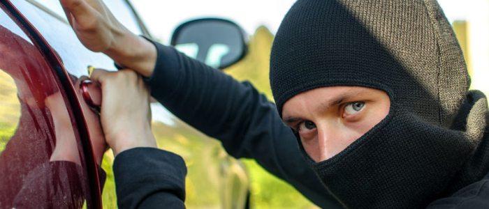 En vacaciones hay que extremar las precauciones para evitar robos en los vehículos
