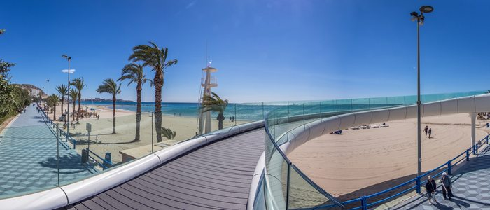 Playa del Postiguet y pasarela