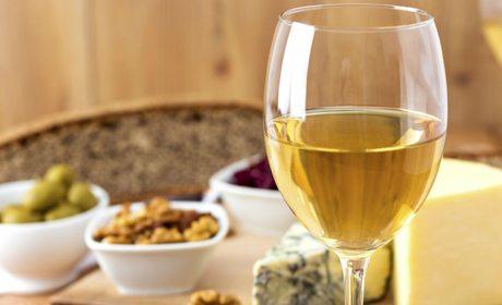 El vino blanco es el preferido para el aperitivo
