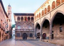Ayuntamiento de Alcañiz, en la Plaza de España