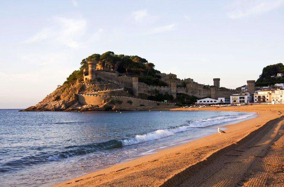 Informacion turistica de tossa de mar gerona guia repsol for Oficina de turismo tossa de mar