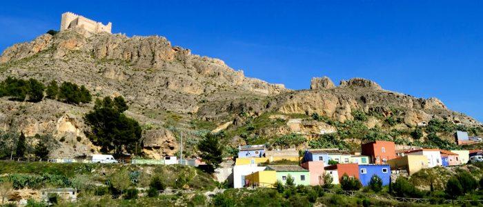 Vista de Jumilla con el castillo en lo alto