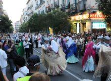 Baile de chotis en las fiestas de La Paloma