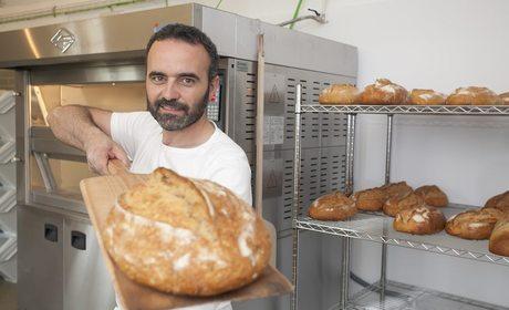 Panadería del Cenador de Amós en Villaverde de Pontones | Guía Repsol