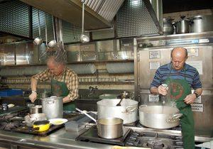 Son los socios los que cocinan en las sociedades. / Flickr Hirian Aldizkaria