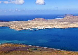 Vistas a la isla de La Graciosa desde el Mirador del Río